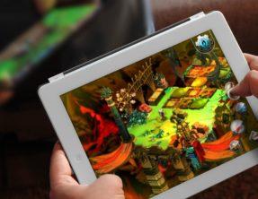 Pelataan tabletilla visaillaan lpprill  Teknologiamakeisia